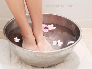 Как снять усталость ног с помощью ванночки