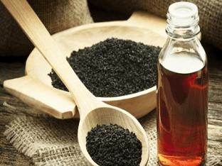 Как принимать масло черного тмина при заболеваниях и в косметологии?