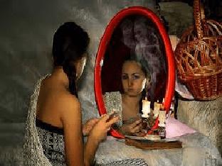 Гадание со свечой и зеркалом