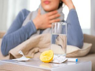 Чем лучше полоскать горло при ангине в домашних условиях?