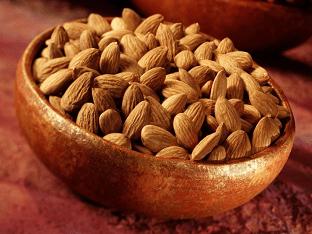 Чем полезны орехи миндаль: польза и вред для организма