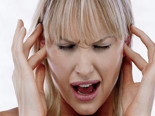 Почему болит ухо: причины, чем лечить?