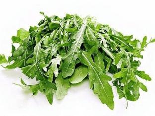 Полезные свойства рукколы и рецепт салата