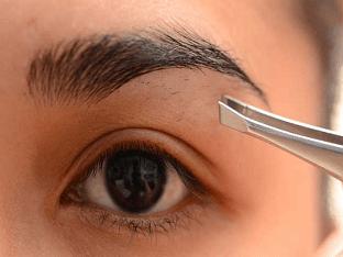 Как научиться выщипывать брови самой себе