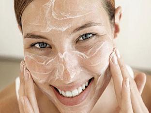 Очищение кожи лица: как правильно очистить лицо