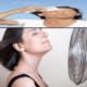 Какие народные средства помогают при приливах во время климакса у женщин?