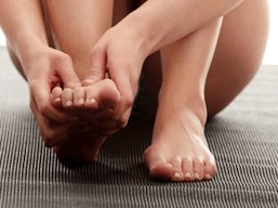 Свело пальцы на ногах