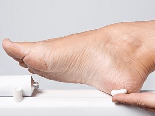 Как убрать огрубевшую кожу с пяток в домашних условиях