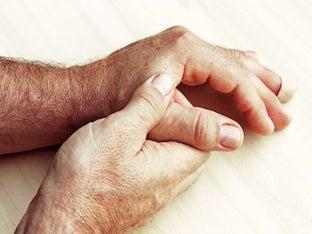 Тремор рук – что это такое и можно ли от него избавиться